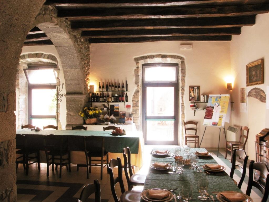 Antica dimora del gruccione for Arredamento casa antica